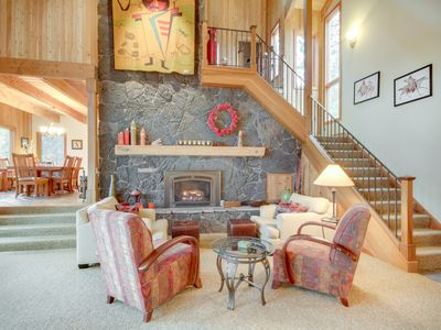 Photo for Beautiful golf-front home w/ deck, lake views & shared pools, hot tubs & tennis!