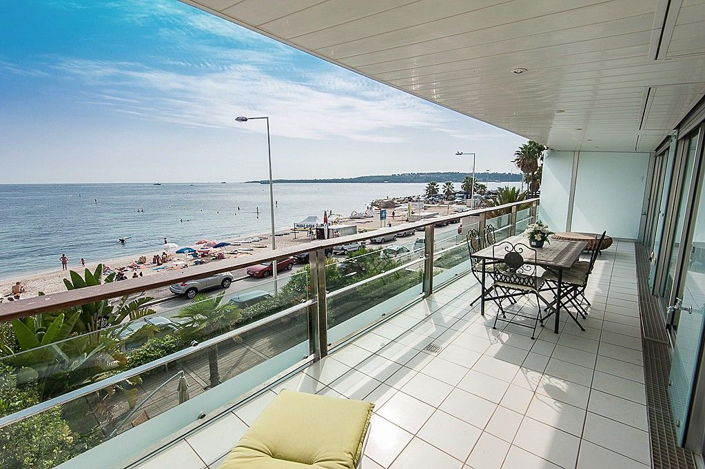 Cannes palm beach vue mer spectaculaire 1613387 abritel for Location garage cannes palm beach