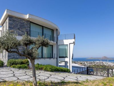 Photo for 5+1 Villa with Private Pool, Sea and Nature View