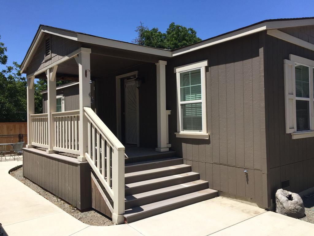 New - Nestled in Orchard just 5 miles to downtown.