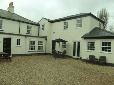 Photo for Courtyard Cottage, Great Paxton, St Neots, Cambs, PE19 6RA