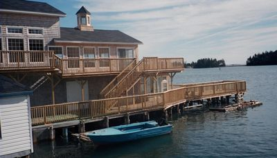 Beautiful Wharf Home Over Bay of Fundy