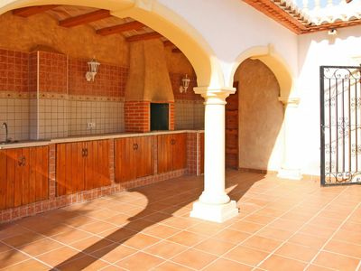 Photo for Nice apartment for 9 people with private pool, WIFI, A/C, TV, balcony, pets allowed and parking