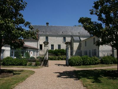 Photo for Cottage, 4 bedrooms up to 10, pool, in a XVIIth C Castle in the Loire Valley