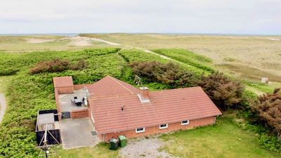 Photo for Holiday house with indoor pool in the first row to a lovely sandy beach on the North Sea