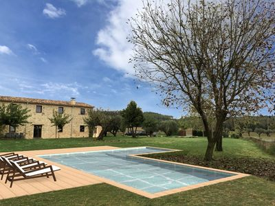 Photo for Beautiful country house with private pool between Bañolas and Figueras
