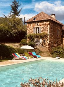 Photo for Charming house with private heated pool and 2 bedrooms, Dordogne, Sarlat