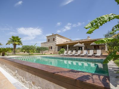Photo for Large villa with pool and garden to enjoy with family and friends