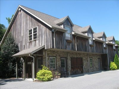 Photo for Cozy barn apartment near Strasburg, Sight & Sound Theatre, Rockvale Outlets