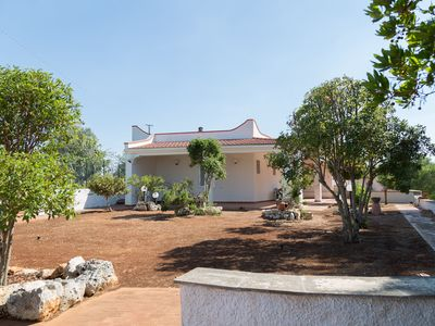 Photo for Charming Villa with Garden and Terrace; Pets Allowed