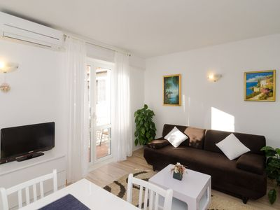 Photo for GLORIJET 1 - 4+2 apartment w/ private parking in Lapad area - Dubrovnik city