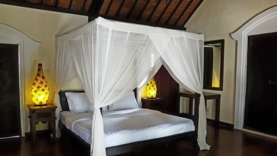 Photo for Cozy and private villa, strategically located in the middle of everywhere