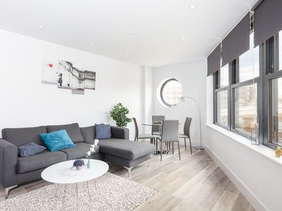 Photo for Luxury 2 Bed In Fulham Next To Fulham Broadway A4