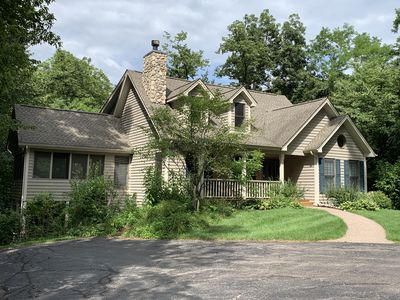 Resort Core ~ Spacious 4 BD/4 BA - Pool Table -  Outdoor Hot Tub - and Firepit!!
