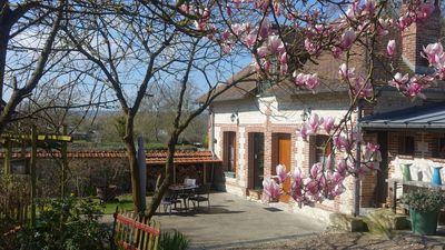 Photo for At the foot of the Abbey in the heart of a small village and 9 km from Rouen
