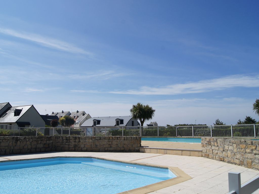 Nice Property Image#2 House With Garden, In Quiet Residence With Swimming Pool,