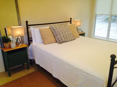 Photo for Brookfield Bungalow - free Wi-Fi, public transport, walk to shops and school.