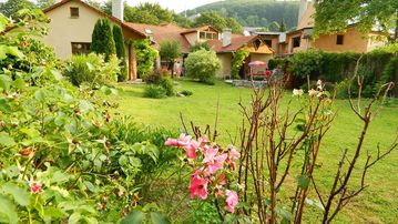 Holiday Villa 2 is  a tastefully restored  villa in a famous  spa town.