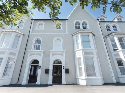 Photo for APARTMENT 4, 7 ST ANNS APARTMENTS in Llandudno, Ref 980934