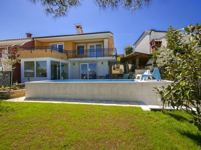 Photo for Nice detached villa with private pool, great views and 200 m from the beach