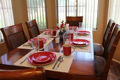 Eat-in kitchen with dining for 6.