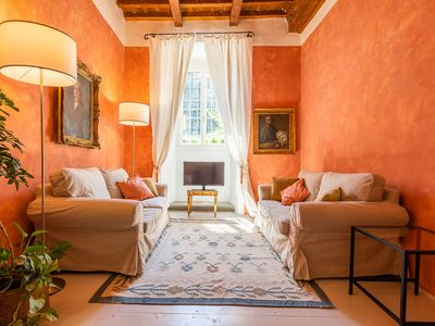 Photo for Appartamento to rent in Piazza Santo Spirito, a typical florentine house