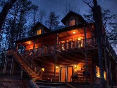 Photo for Magestic 4 BR Cabin Perfect for Family vacations!