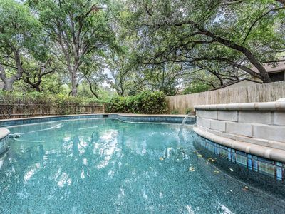 Photo for Gorgeous pool & spa retreat. Contemporary 3/2 home. Center of San Antonio.