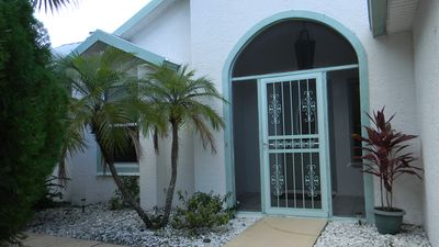 Beautiful 3 Bedroom, 2 Bath home with Spa Tub only 30 minutes from the Beach.