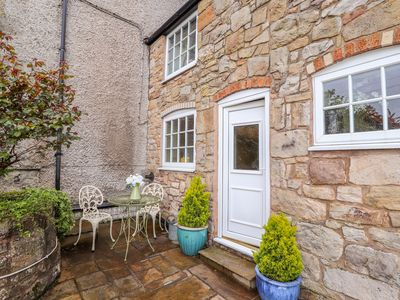 Photo for WOODLAND COTTAGE, pet friendly in Llangollen, Ref 1005296