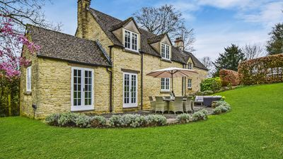 Photo for Westerleigh Cottage, Cowley, Cotswolds