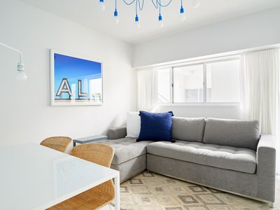 Photo for Sonder | South of 5th | Dreamy 1BR + Outdoor Pool