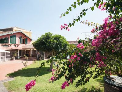 Photo for Acireale B&B Double AC bedroom in villa with g