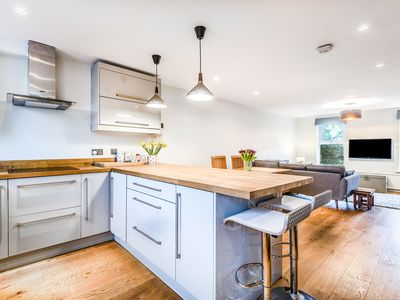Photo for Tastefully presented 4BR family home in leafy Clapham, by Veeve