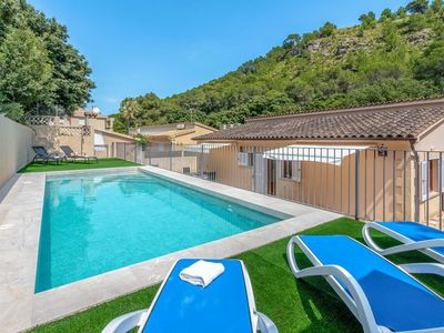 Photo for A comfortable villa within strolling distance of the beaches, bars and restaurants of Cala san Vicente.