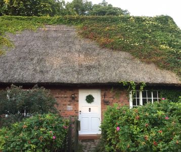 Photo for Cozy thatched cottage in Bansin (Heringsdorf) on the sunny island of Usedom