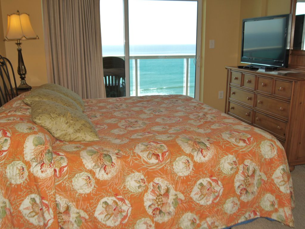 Crescent Keyes, Oceanfront Resort
