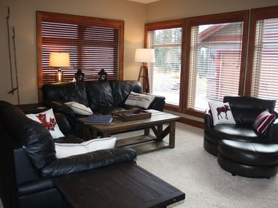 Photo for I Spy-2 Bdrm w/hottub & ski run out the front door