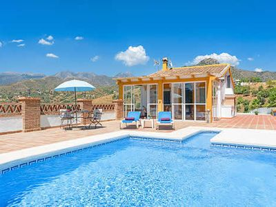 Photo for Countryside villa with 1 bedroom, sun terrace, private pool & free Wi-Fi