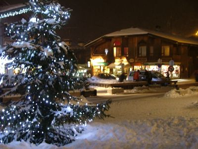 Photo for Warm in chalet apartment in the center of Morzine, quiet.