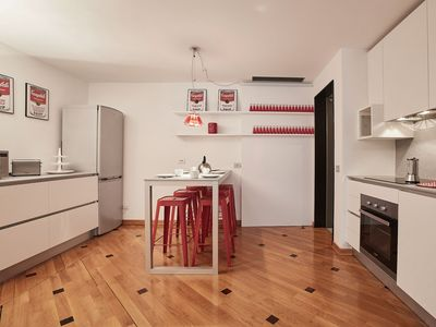 Photo for Luxurious 3bdr in the center of Milan!