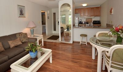 Photo for Plantation Hale unit with kitchen, Fully Remodeled, Walk to Beach. Free parking