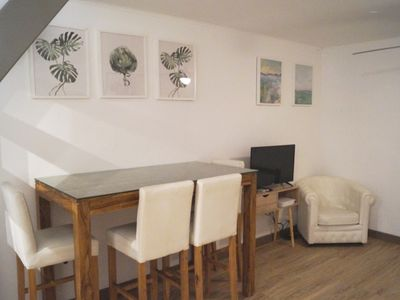 Photo for Independent 2 room apartment in the historic center of Saint-Maximin