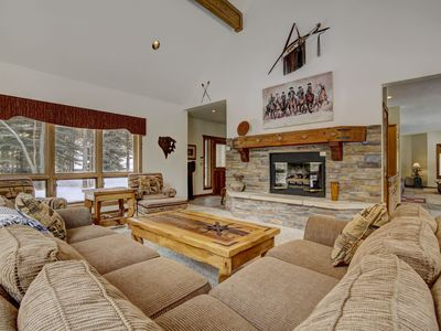 The Vue at Keystone Ranch- 5 minutes from Skiing