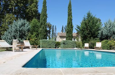 Photo for Luxurious holiday villa in absolutely quiet location on the outskirts of Ménerbes