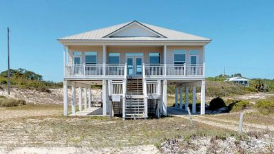 "Photo for Ready To Rent Now! FREE BEACH GEAR! Gulf Beaches, Beach View, WiFi, 4BR/4BA ""Island Addiction"""