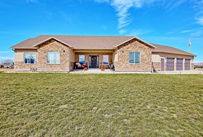 Photo for 4BR House Vacation Rental in Loma, Colorado