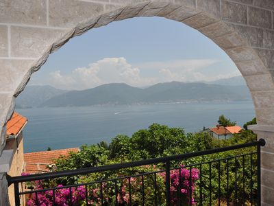 Luxury Azure 2 Bed Apartment with Amazing Views and Infinity Pool