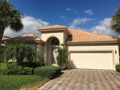 Photo for Luxurious tropical villa in Bonita Springs - relax and enjoy the sun - gated