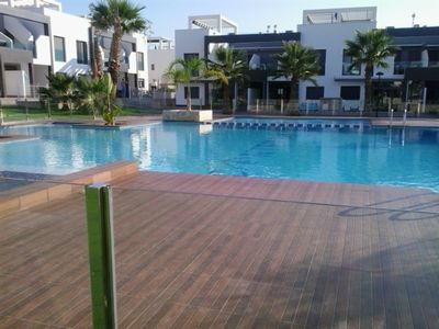 Photo for Spacious apt with swimming-pool